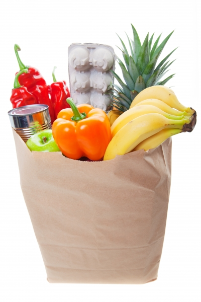 1519327-a-grocery-bag-full-of-healthy-fruits-and-vegetables